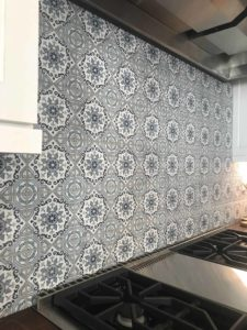 Sanza pattern kitchen backsplash installation