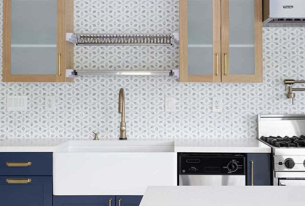 How to Pair Wood Kitchen Cabinets with Tile