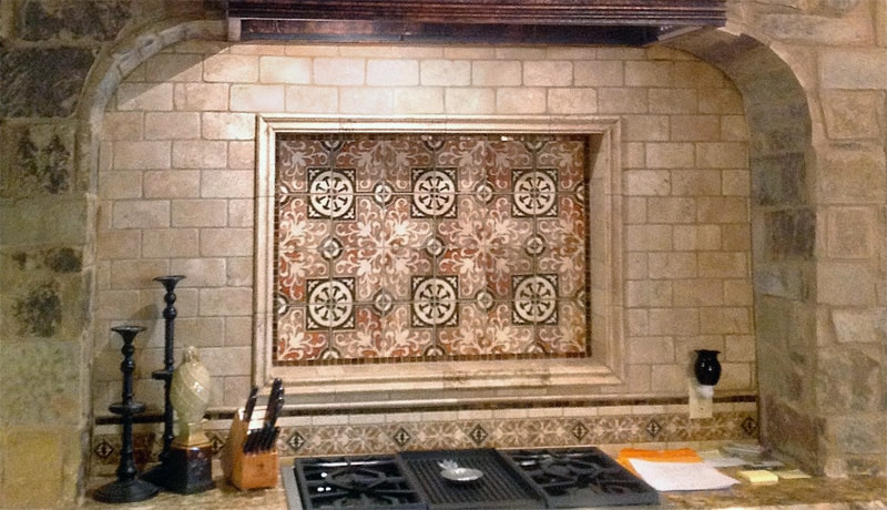 Decorative Natural Stone Kitchen Backsplash featuring Amaretti Earth on Light Travertine