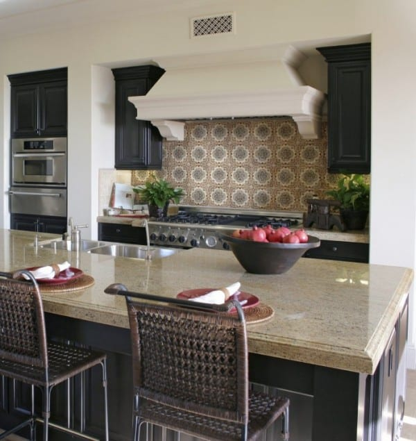 rustic kitchen backsplash design ideas holland designs old world traditional vintage stove top range back splash limestone durango botticino crema ella tumbled straight-edged honed wall wet bar focal point