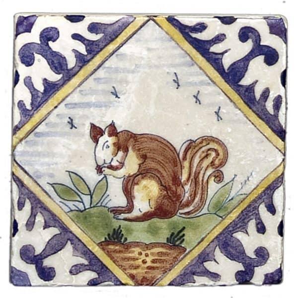 Delft Squirrel Accent Botticino