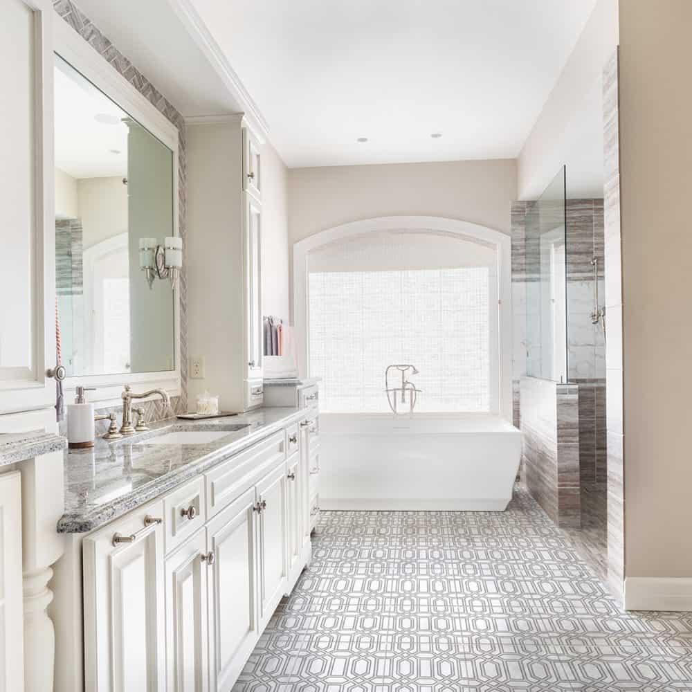 Alto Bathroom Floor