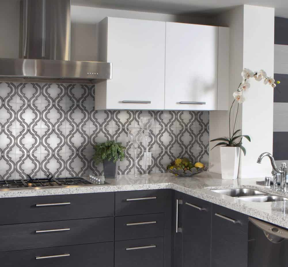 Pirouette Grey Carrara Marble White Kitchen