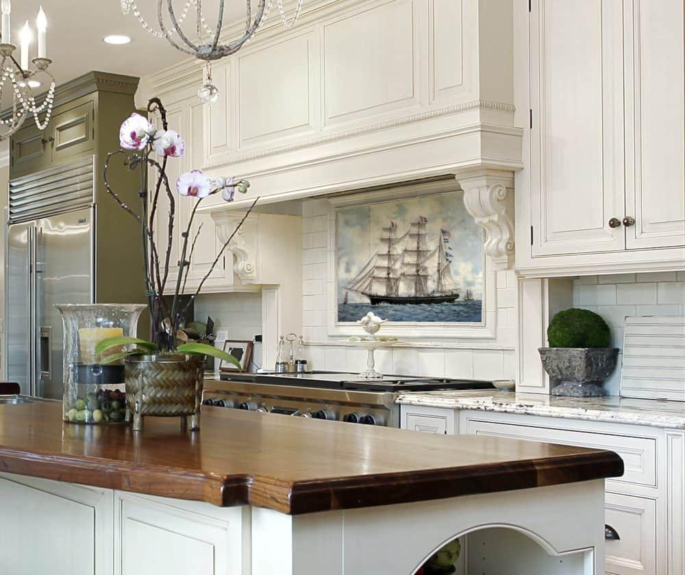 Sea Voyage Classic kitchen carrara marble