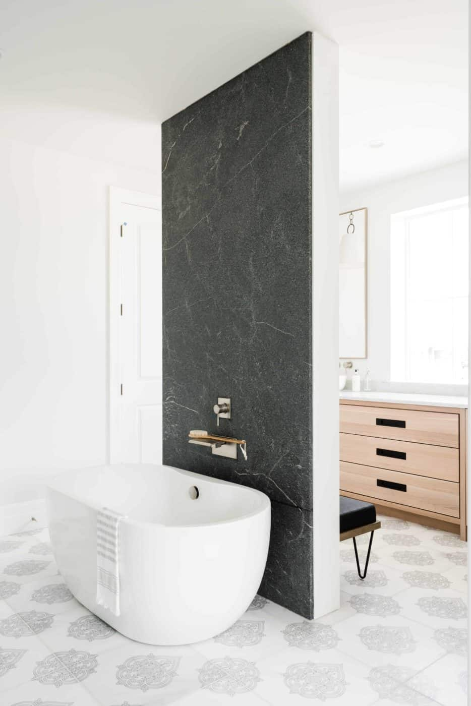 Caprice Floor Bath Slate Modern