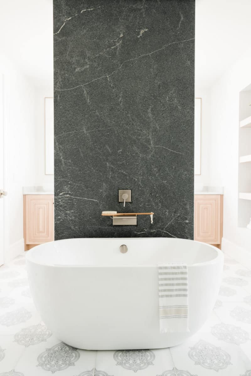 Caprice floor with floating tub