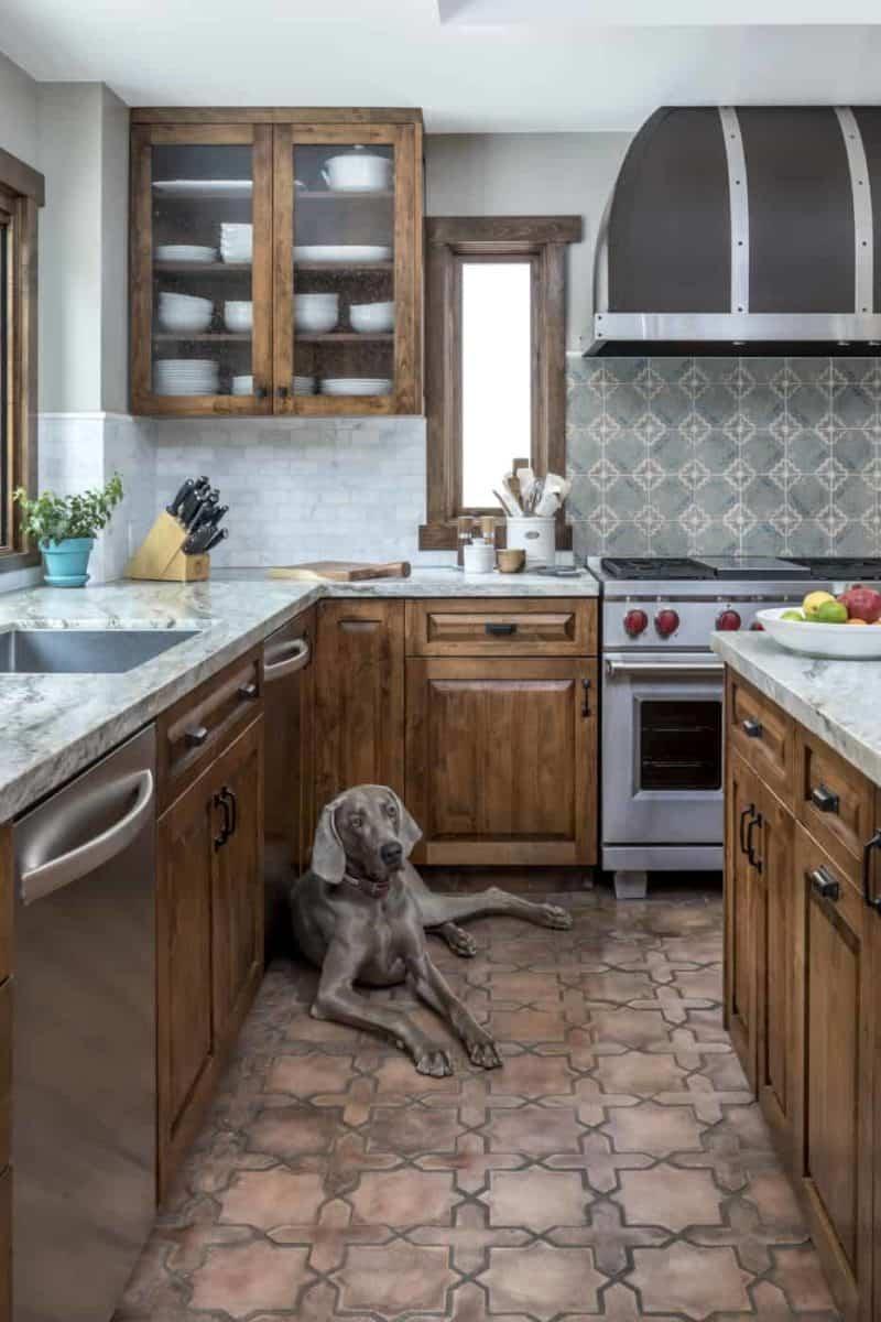 Altalena Pattern Kitchen install with dog