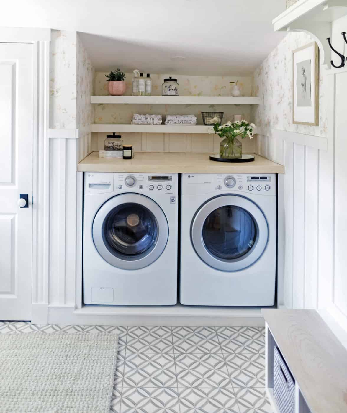 2018 Ellipse Blue Laundry Room Floor