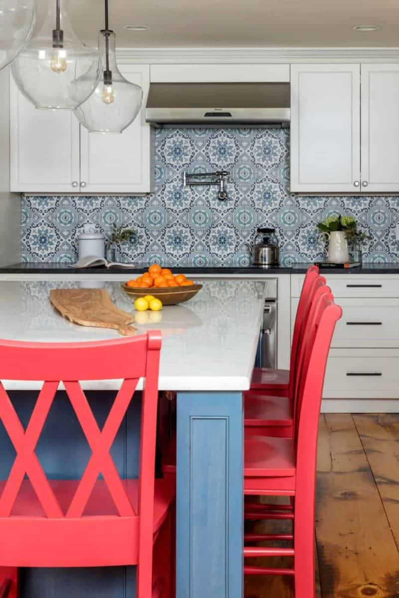 Sanza pattern on 12x12 carrara in modern moroccan kitchen