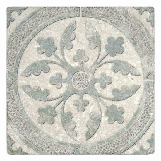 Clover Pattern Tile green on Tumbled Perle Blanc Limestone