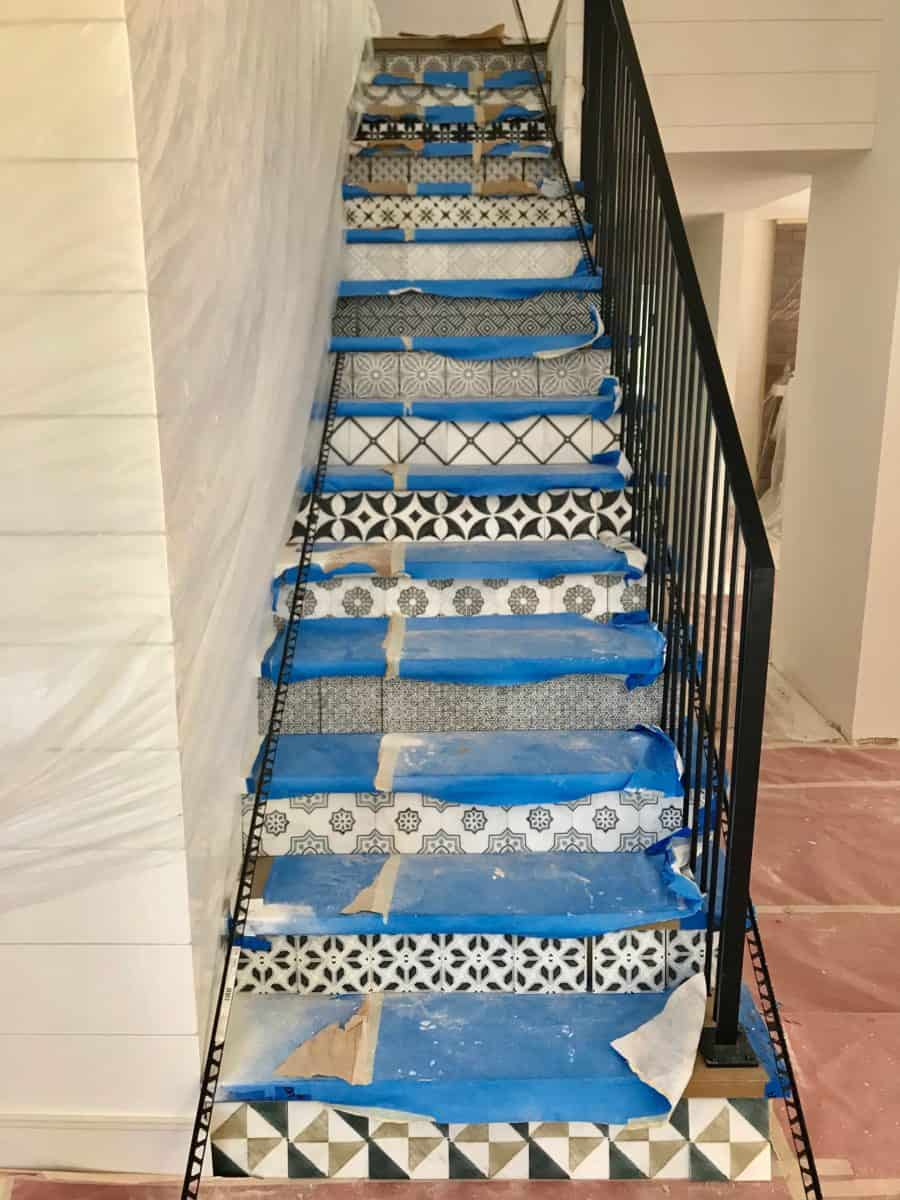 alternating pattern on stairs