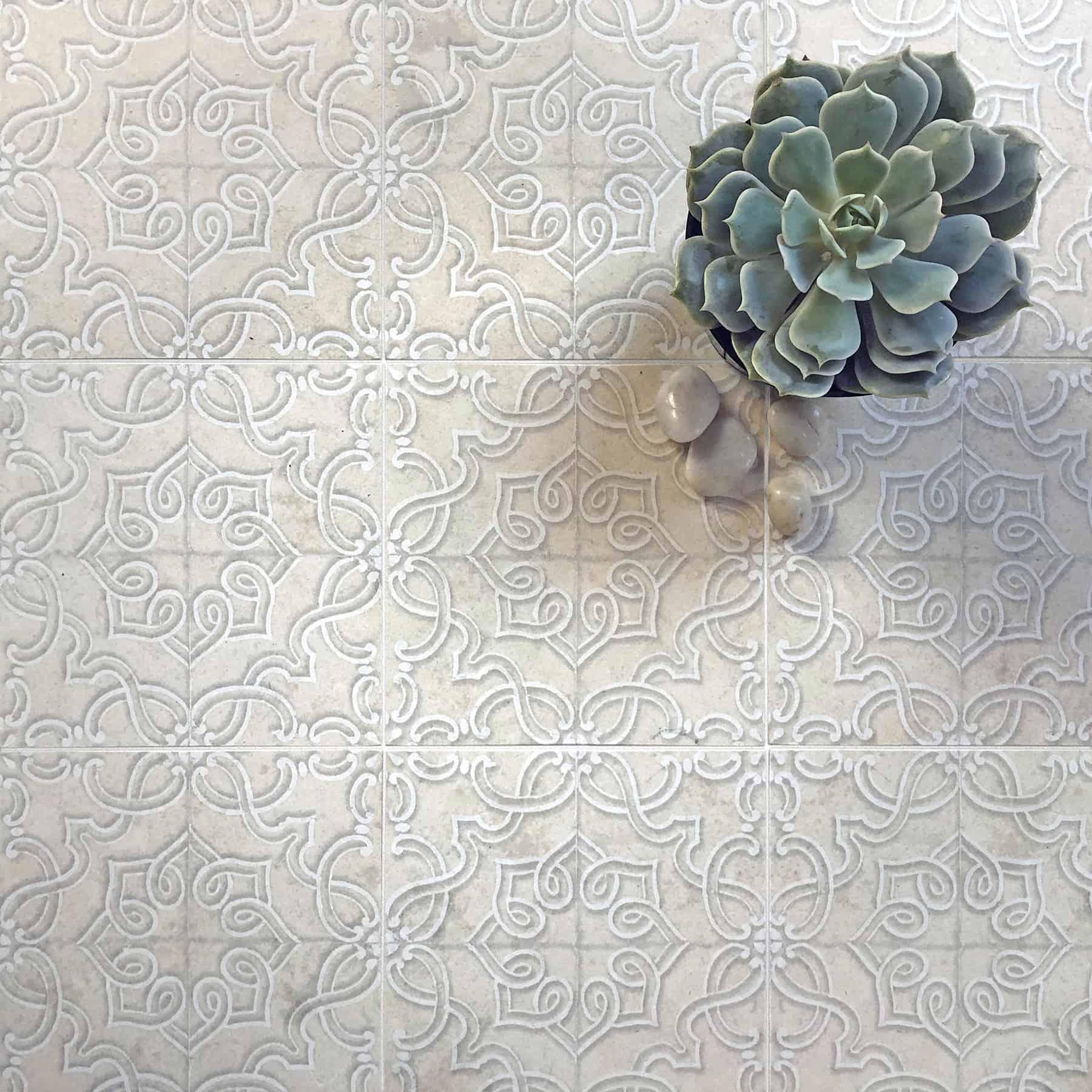 Lennox Lace Floor Detail