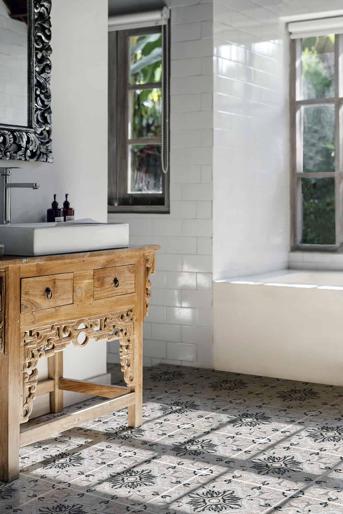 Dulcet (Black) Perle Blanc Bathroom Floor