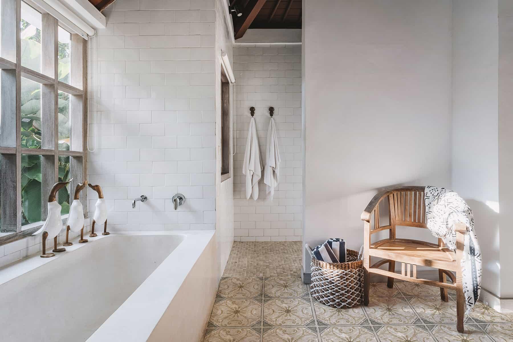 Solana (Sand) Perle Blanc Bathroom Floor