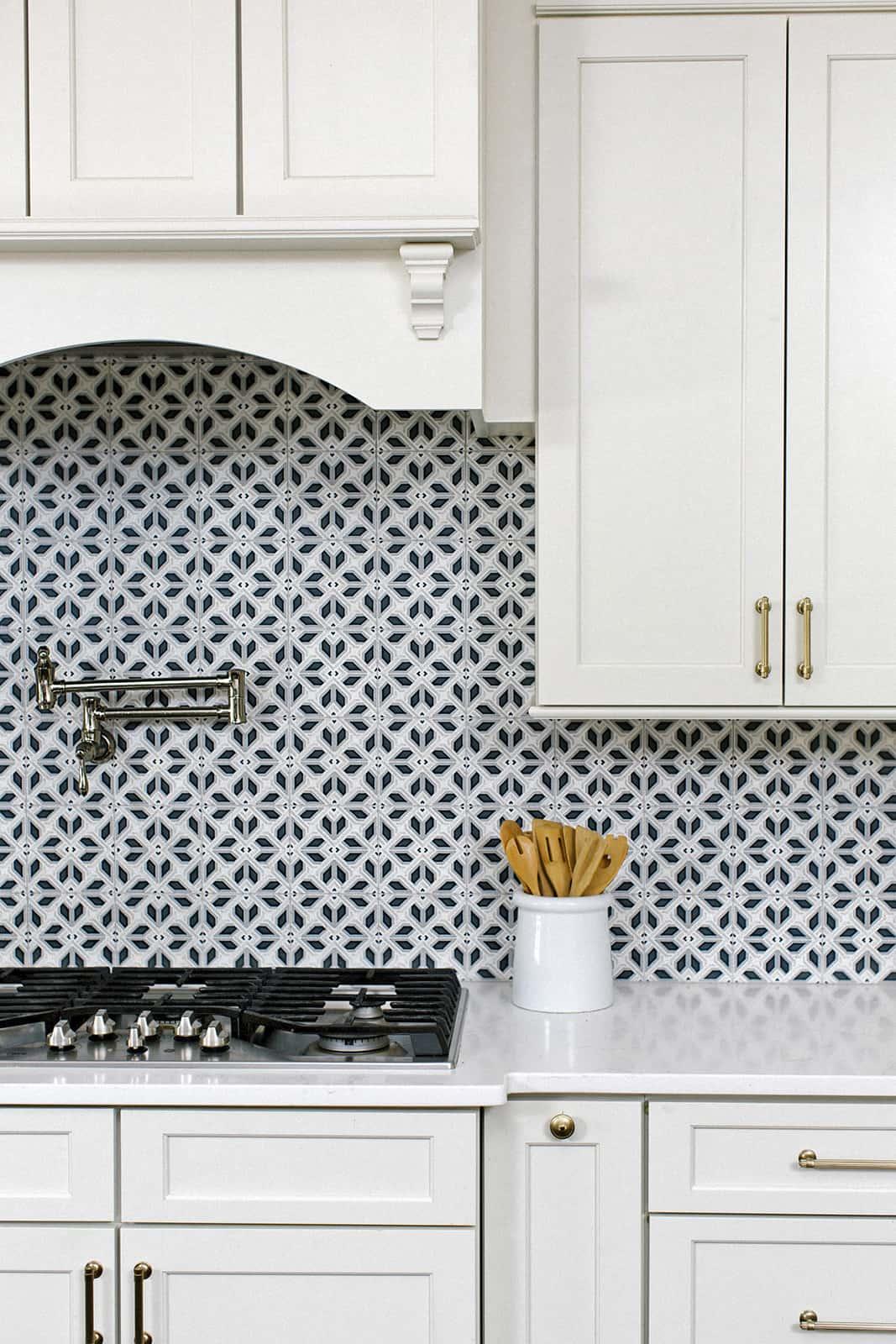 Avery Grande (Charcoal) Carrara Kitchen Backsplash