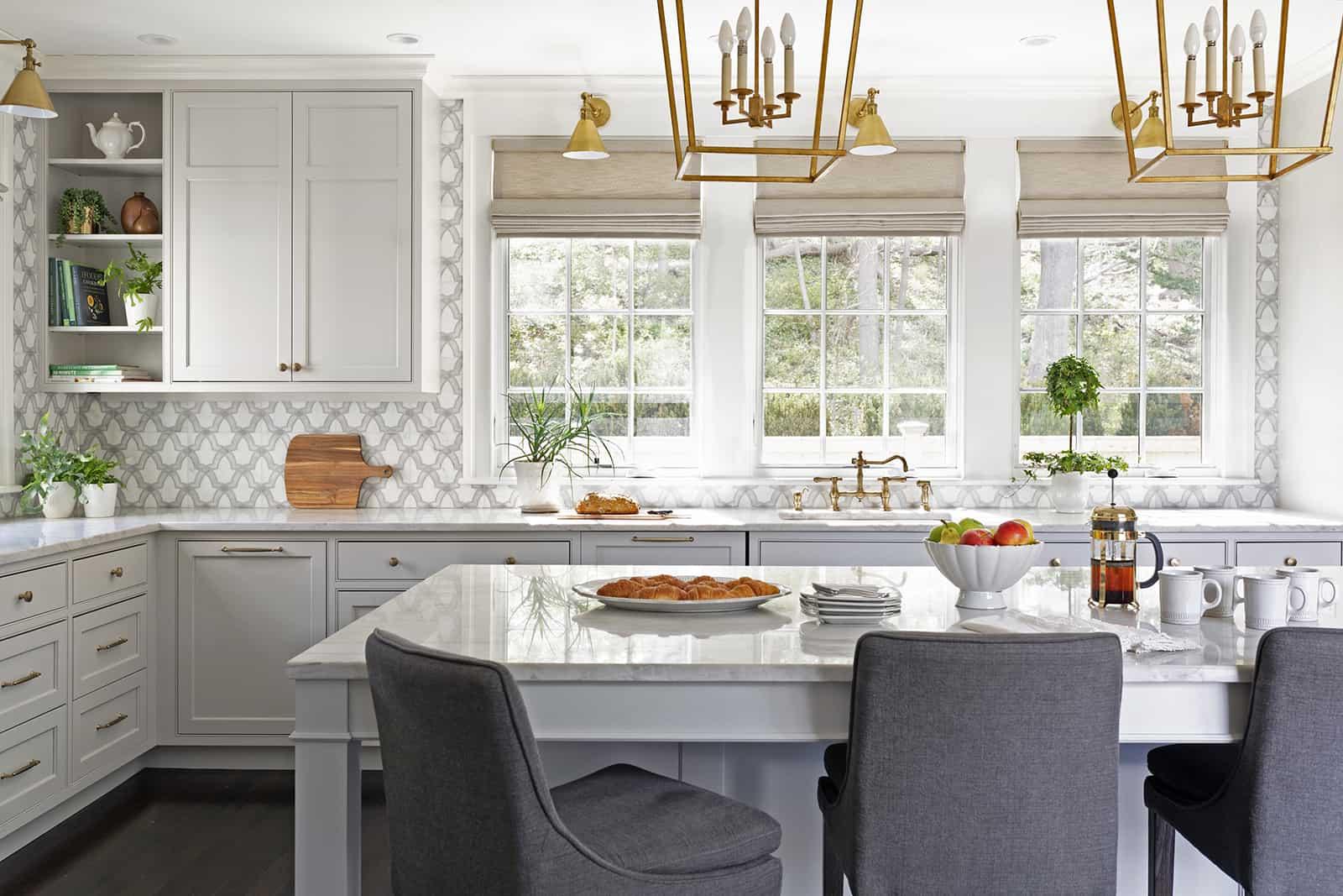 Evolve - HR - Oyster - Arctic White - Mary Michael O'Hare, MMO Designs Kitchen Backsplash
